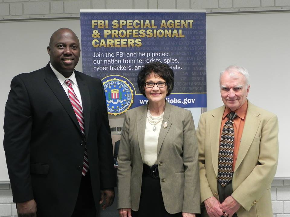 fbi talks to accounting students, Human Body
