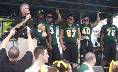 Ron Roberts and football team