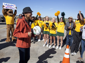 Robin Roberts returns home