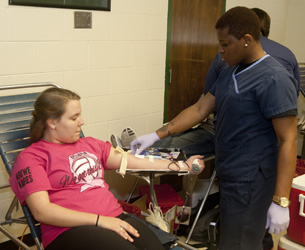 Delta Tau Delta holds blood drive