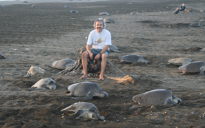 Roldan Valverde with sea turtles