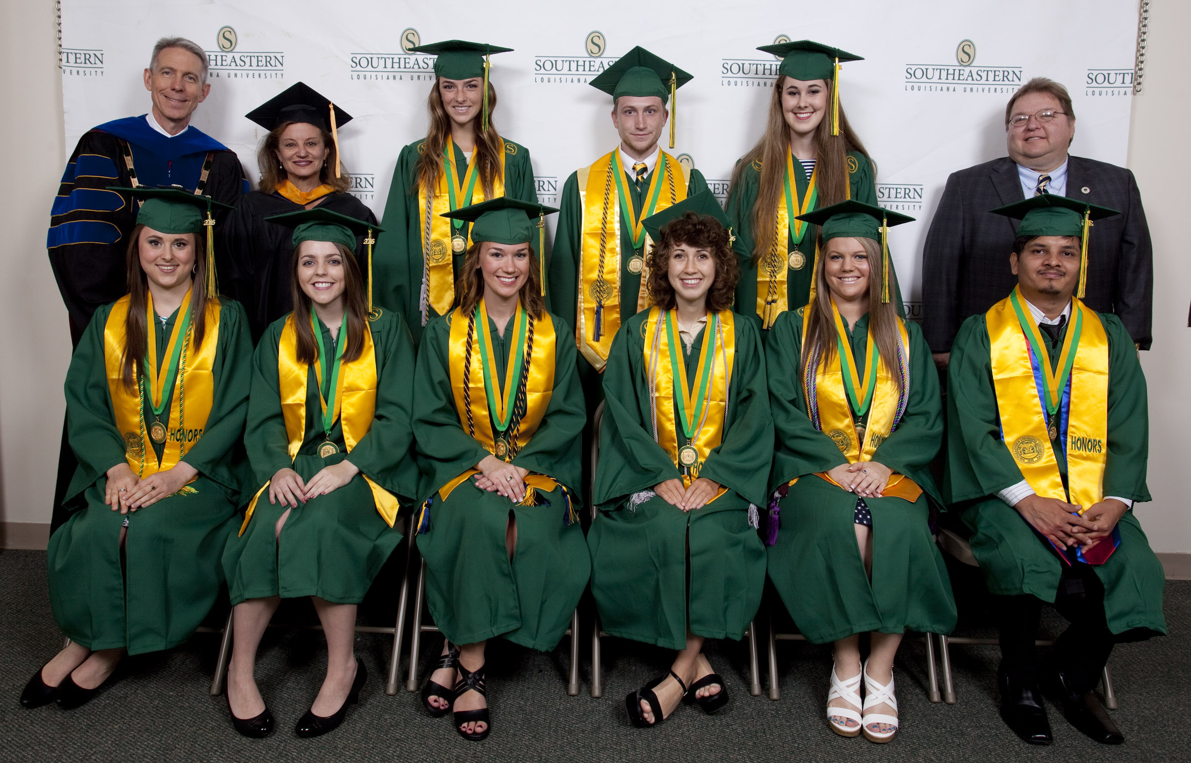 Southeastern Confers Degrees On More Than 1 100