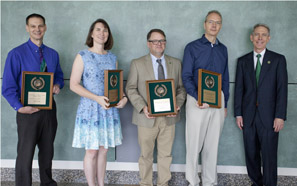 Southeastern faculty, staff receive top awards at convocation